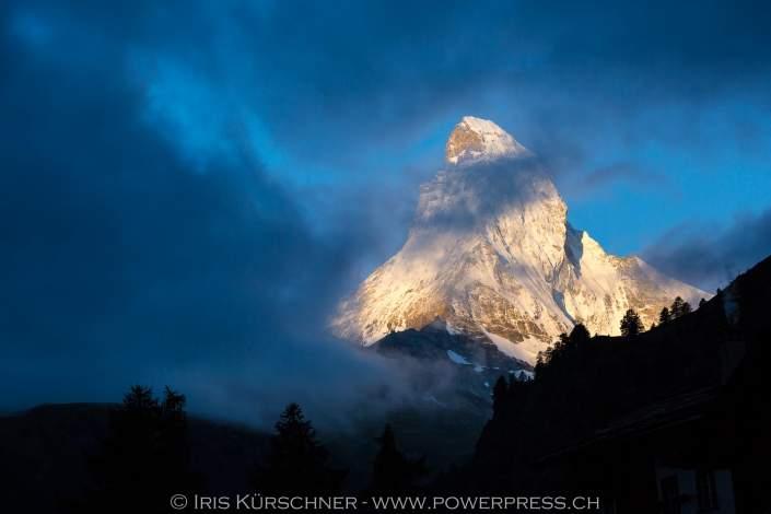 Morgenstimmung und Nebel am Matterhorn